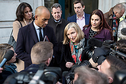 """© Licensed to London News Pictures. 21/01/2019. London, UK. From left: Heidi Alexander, Chuka Umuna, Chris Leslie, Sarah Wollaston, Gavin Shuker and Luciana Berger speak to the media after a meeting in the Cabinet Office. Prime Minister Theresa May will update MPs on her Brexit """"Plan B"""" this afternoon. Photo credit: Rob Pinney/LNP"""