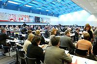 18 DEC 2003, BERLIN/GERMANY:<br /> Uebersicht zu Beginn der SPD Fraktionsitzung, Deutscher Bundestag<br /> IMAGE: 20031218-01-043<br /> KEYWORDS: Sitzung, Saal, Übersicht