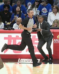 October 21, 2017 - Los Angeles, California, U.S - Head coach, Earl Watson of the Phoenix Suns during their  regular season game against the Los Angeles Clippers on  Saturday October 21, 2017 at the Staples Center in Los  Angeles, California. Clippers defeat Suns, 130-88. JAVIER  ROJAS/PI (Credit Image: © Prensa Internacional via ZUMA Wire)