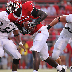 Sep 7, 2009; Piscataway, NJ, USA;  Rutgers tight end Shamar Graves (3) catches a touchdown pass during the second half as Cincinnati defeats Rutgers 47-15 in NCAA Big East football at Rutgers Stadium.