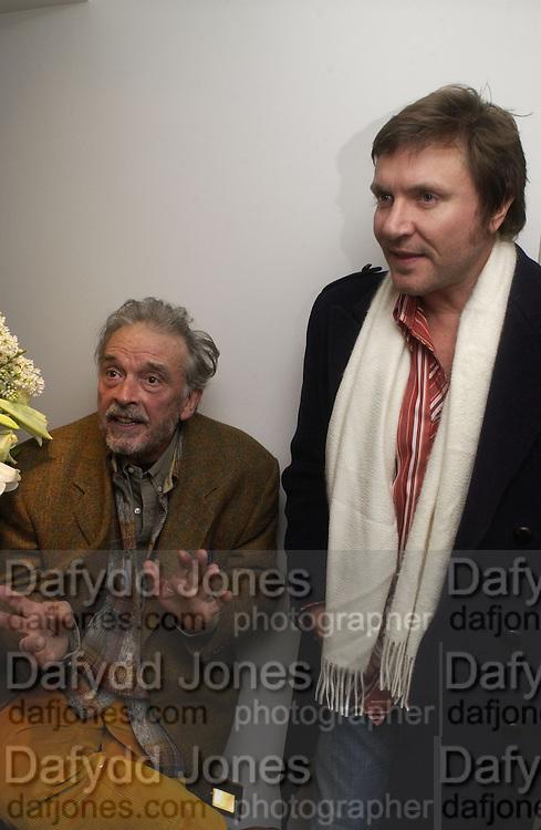 David Bailey and Simon le Bon. Dom Perignon collection, 'Platinum' by David Bailey. Hamiltons, 19 November 2002. .© Copyright Photograph by Dafydd Jones 66 Stockwell Park Rd. London SW9 0DA Tel 020 7733 0108 www.dafjones.com