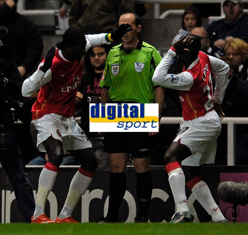 Photo: Jed Wee/Sportsbeat Images.<br /> Newcastle United v Arsenal. The FA Barclays Premiership. 05/12/2007.<br /> <br /> Arsenal's Emmanuel Adebayor (L) celebrates his goal with Emmanuel Eboue.