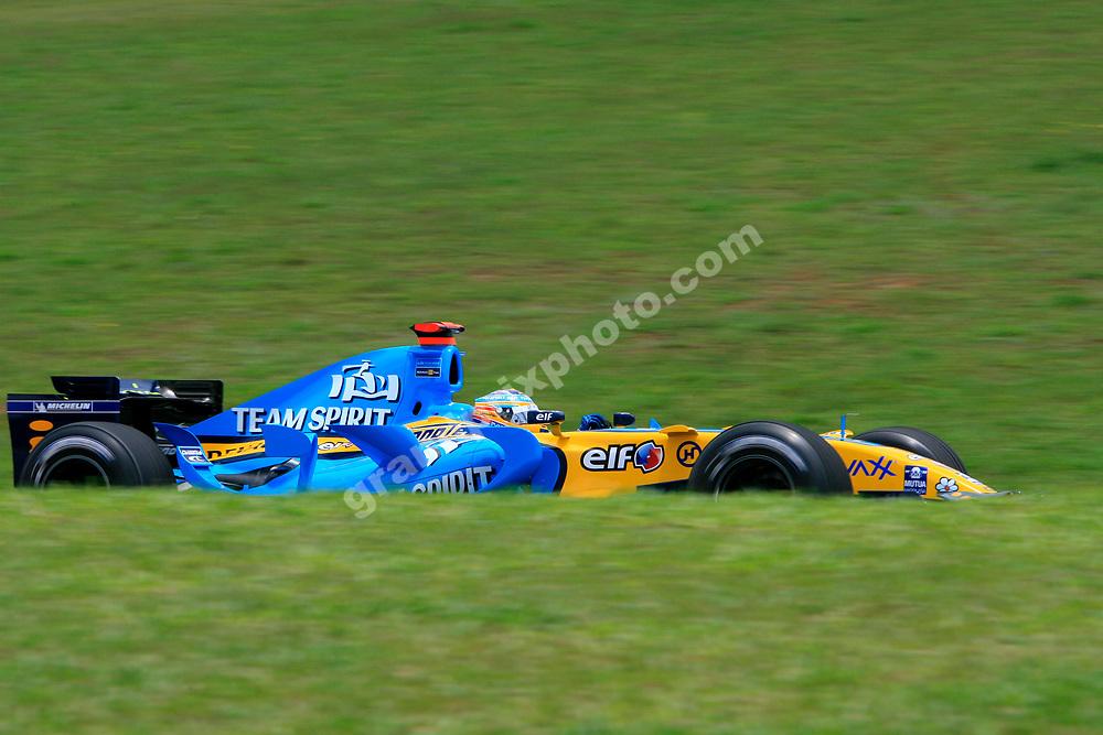Fernando Alonso (Renault) during practice for the 2006 Brazilian Grand Prix in Interlagos. Photo: Grand Prix Photo