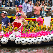 NLD/Amsterdam/20170805 - Gaypride 2017, boot Henk Dal