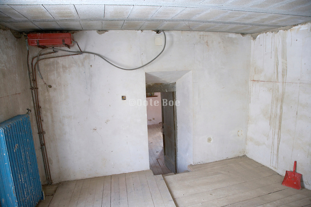 room in an old house totally empty