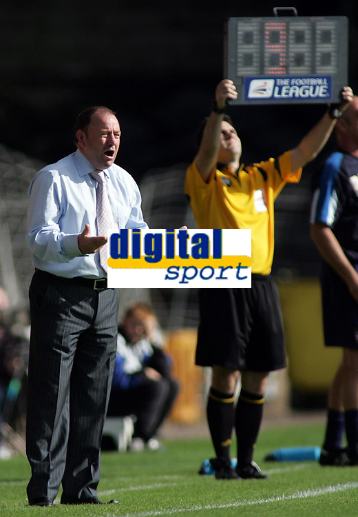 Photo: Paul Thomas.<br /> Port Vale v Bristol City. Coca Cola League 1. 23/09/2006.<br /> <br /> Gary Johnson, Bristol manager.