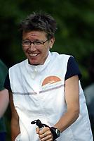 Friidrett, 17. juni 2003, Jentebølgen Bærum, trim, jogging, mosjon, illustrasjon, Ingrid Kristiansen, staver, gå med staver, stav