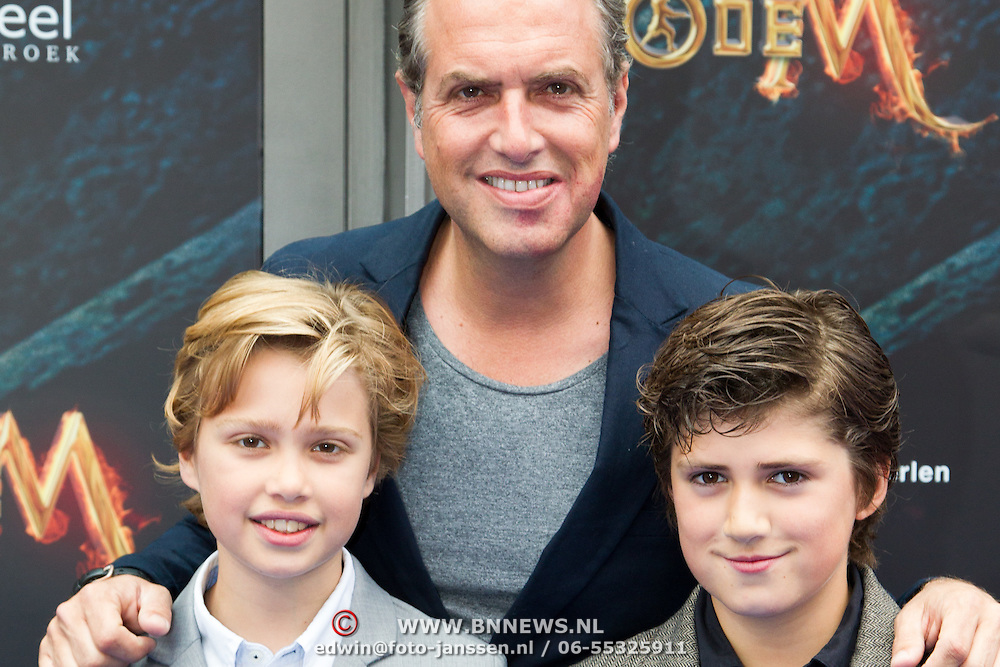 NLD/Amsterdam/20150620- Filmpremiere Code M, Richard Kemper en zijn zoon Ischa en ......