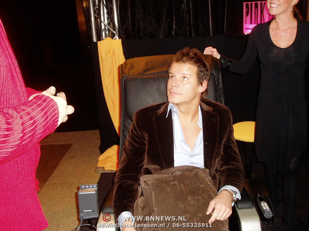 Miljonairfair 2004, Leco Zadelhoff in relaxstoel