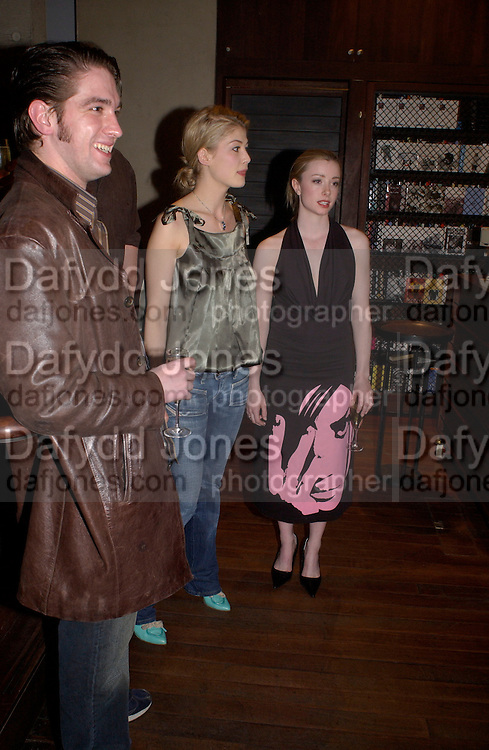 Rosamund Pike, Hitchcock Blonde Gala dinner at the Royal Court Theatre hosted by Emily Oppenheimer. 23 April 2003.  © Copyright Photograph by Dafydd Jones 66 Stockwell Park Rd. London SW9 0DA Tel 020 7733 0108 www.dafjones.com