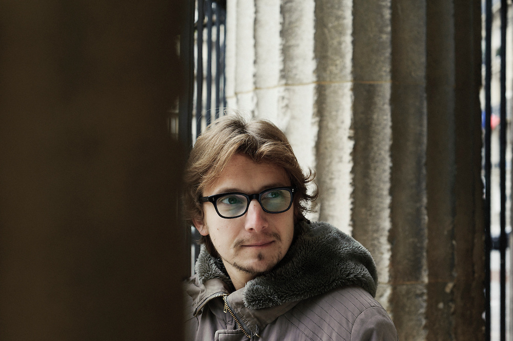 PARIS, FRANCE. NOVEMBER 22, 2010. French actor and writer Lorant Deutsch in the Rotonde of the Parc Monceau, close to his home in the 17th arrondissement. (photo: Antoine Doyen)