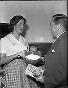 26/10/1959<br /> 10/26/1959<br /> 26 October 1959<br /> Swiss Charge d'Affairs visit to Goodbody's Factory, Dun Laoghaire, (Albright and Wilson Ireland). Wholemeal, Four, Bread, Baking,  Image shows the visitor being given a demonstration on mixing soda bread from Goodbody's Wholemeal Soda Bread Mix.