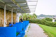 22-10-2018 Almenara Golf Club in Sotogrande, Cádiz, ontworpen door Dave Thomas.<br /> ALMENARA: de kleine driving range van Almenara, met asbakjes, ligt niet echt op loopafstand van het resort
