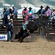 17-J17-WY HS Fnls Frdy 1st go Bull Riding