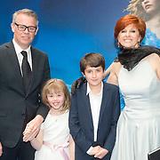 NLD/Rotterdam/20150315 - Premiere Cinderella, Chazia Mourali, partner Mark Schröder en dochter Jasmijn