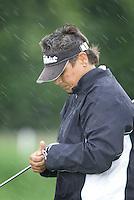 Biddinghuizen - Mette Hageman in de stromende regen.   Voorjaarswedstrijd dames 2007 op Golfbaan Dorhout Mees. . COPYRIGHT KOEN SUYK
