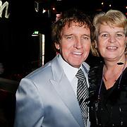 NLD/Hilversum/20111115 - Boekpresentatie Zangeres Zonder Naam van Ben Holthuis, Jacques Herb en partner Diny de Jong