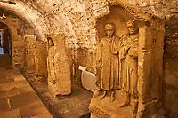 France, Bourgogne-Franche-Comté, Yonne (89), Sens, musée de Sens, musée gallo-romain, stèles funéraires gallo-romaines // France, Burgundy, Yonne, Sens, museum