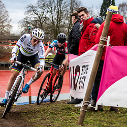21-12-2019: Cycling : Waaslandcross Sint Niklaas: Sanne Cant and Anniek van Alphen were racing a close race