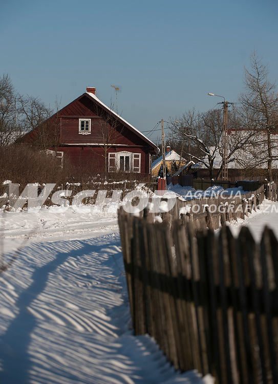 27.01.2013 Zima w Puszczy Knyszynskiej N/z wies Surazkowo fot Michal Kosc / AGENCJA WSCHOD