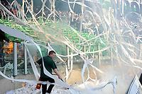 Fotball<br /> Nederland<br /> Foto: ProShots/Digitalsport<br /> NORWAY ONLY<br /> <br /> voetbal fc groningen - ajax erediivisie seizoen 2007-2008 13-04-2008 ongeregelheden bij begin wedstrijd brand op tribune door toiletrollen <br />  <br /> Brann på tribunen stoppet kampen mellom Groeningen og Ajax
