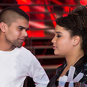 NLD/Hilversum/20131220 - Finale The Voice of Holland 2013, winnares Julia van der Toorn en haar broer