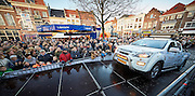 ZALTBOMMEL Aankomst rally Arctic Challenge, op podium op de Markt