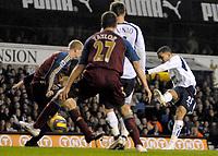 Photo: Ed Godden/Sportsbeat Images.<br /> Tottenham Hotspur v Newcastle United. The Barclays Premiership. 14/01/2007. Spurs' Aaron Lennon has a shot on goal.