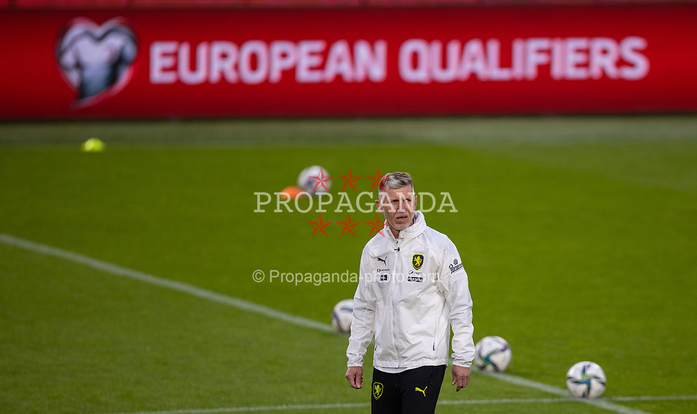 PRAGUE, CZECH REPUBLIC - Thursday, October 7, 2021: Czech Republic's head coach Jaroslav Šilhavý during a training session ahead of the FIFA World Cup Qatar 2022 Qualifying Group E match between Czech Republic and Wales at the Sinobo Stadium. (Pic by David Rawcliffe/Propaganda)