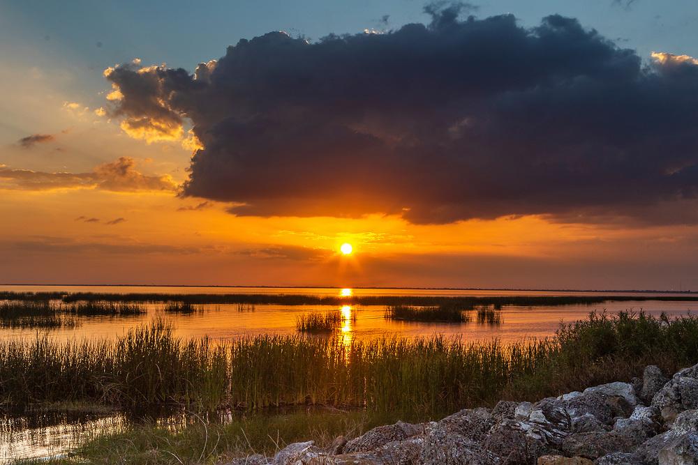 Feb. 18, 2019: Sunset from the east bank on Lake Okeechobee, FL. (www.douglasjonesphotography.com)