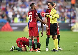 Referee, Mark Clattenburg calms Nani of Portugal down  - Mandatory by-line: Joe Meredith/JMP - 10/07/2016 - FOOTBALL - Stade de France - Saint-Denis, France - Portugal v France - UEFA European Championship Final