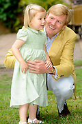 Photocall of the dutch Royal Family.<br /> <br /> On the photo: princess Alexia and Willem Alexander <br /> <br /> Fotosessie op Landgoed de Horsten in Wassenaar <br /> Op de foto:<br /> <br /> Prinses Alexia en Willem Alexander