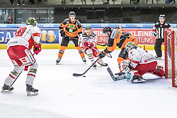 10.03.2019, Merkur Eisstadion, Graz, AUT, EBEL, Moser Medical Graz 99ers vs HCB Suedtirol Alperia, Platzierungsrunde, 54. Runde, im Bild v.l.: Markus Nordlund (HCB Südtirol Alperia), Matt Garbowsky (Moser Medical Graz 99ers), Daniel Glira (HCB Südtirol Alperia), Travis Oleksuk (Moser Medical Graz 99ers), Jacob Wesley Smith (HCB Südtirol Alperia) // during the Erste Bank Eishockey League 54th round match between Moser Medical Graz 99ers and HCB Suedtirol Alperia at the Merkur Eisstadion in Graz, Austria on 2019/03/10. EXPA Pictures © 2019, PhotoCredit: EXPA/ Dominik Angerer