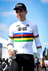 September 22, 2018 - Waterloo, UNITED STATES - Belgian Wout Van Aert arrives for a training session in preparations for tomorrow's first UCI World Cup cyclocross race of the 2018-2019 cyclocross season in Waterloo (WI), USA, Saturday 22 September 2018. BELGA PHOTO DAVID STOCKMAN (Credit Image: © David Stockman/Belga via ZUMA Press)