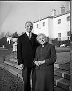 President Eamon de Valera and Mrs. de Valera celebrate their Golden Wedding Anniversary at Áras an Uachtarain..1960..07.01.1960..01.07.1960..7th January 1960...Portrait taken of Mr and Mrs DeValera to celebrate fifty years of marriage. The picture was taken in the grounds of Áras an Uachtarain in the Phoenix Park, Dublin.
