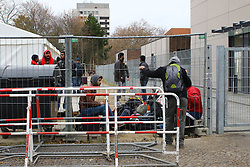 10.11.2015, Landesamt fuer Gesundheit und Soziales, Berlin, GER, Flüchtlingskrise in der EU, im Bild Taeglich kommen 500 bis 800 Fluechtlinge am LaGeSo in Berlin-Moabit an // Europe is dealing with its greatest influx of migrants and asylum seekers since World War II as immigrants fleeing war and poverty in the Middle East, Afghanistan and Africa try to reach Germany and other Western European countries, Landesamt  fuer Gesundheit und Soziales in Berlin, Germany on 2015/11/10. EXPA Pictures © 2015, PhotoCredit: EXPA/ Eibner-Pressefoto/ Hundt<br /> <br /> *****ATTENTION - OUT of GER*****