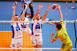 20150426 NED: Eredivisie Landstede Volleybal - Abiant Lycurgus, Zwolle<br />Tim Smit (11) of Abiant Lycurgus, Steven Irvin (14) of Abiant Lycurgus<br />©2015-FotoHoogendoorn.nl / Pim Waslander