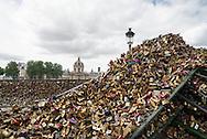 Paris city remove all the love locks on Pont des Arts bridge
