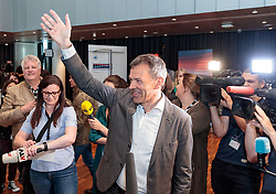 06.05.2018, Innsbruck, AUT, Bürgermeisterstichwahl Innsbruck, Wahlergebnis, im Bild v.l. Georg Willi (Die Grünen) // during the mayoral stitch election in Innsbruck, Austria on 2018/05/06. EXPA Pictures © 2018, PhotoCredit: EXPA/ Johann Groder
