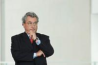 """16 OCT 2006, BERLIN/GERMANY:<br /> Dieter HUndt, Praesident der Bundesvereinigung der Deutschen Arbeitgeberverbaende, BDA, waehrend einer Pressekonferenz nach dem Spitzengespraech """"Familie und Wirtschaft"""" der Bundeskanzlerin mit der Impulsgruppe der """"Allianz für die Familie"""", Bundeskanzleramt<br /> IMAGE: 20061016-01-028<br /> KEYWORDS: Spitzengespräch"""