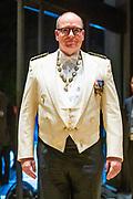 De Japanse keizer Naruhito heeft officieel de troon aanvaard en de belofte afgelegd dat hij zijn plicht als symbool van de staat zal vervullen. De 59-jarige Naruhito deed dat in een eeuwenoude ceremonie in de belangrijkste zaal van het keizerlijke paleis in Tokio in aanwezigheid van staatshoofden en gasten uit meer dan 180 landen.<br /> <br /> The Japanese emperor Naruhito has officially accepted the throne and made the promise that he will fulfill his duty as a symbol of the state. The 59-year-old Naruhito did that in an ancient ceremony in the main hall of the Imperial Palace in Tokyo in the presence of heads of state and guests from more than 180 countries.<br /> <br /> Op de foto / On the photo:   Prince Albert of Monaco