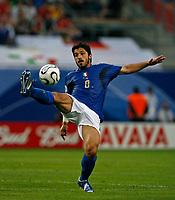 Photo: Glyn Thomas.<br />Italy v Ukraine. Quarter Finals, FIFA World Cup 2006. 30/06/2006.<br /> Italy's Gennaro Gattuso.