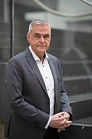 DEU, Deutschland, Germany, Berlin, 03.11.2020: Portrait von Prof. Dr. Uwe Janssens, Präsident der DIVI (Deutsche Interdisziplinäre Vereinigung für Intensiv- und Notfallmedizin).