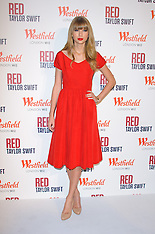 NOV 6 2012 Taylor Swift switches on christmas lights