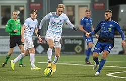 Lucas Haren (FC Helsingør) og Valon Ljuti (HB Køge) under kampen i 1. Division mellem HB Køge og FC Helsingør den 4. december 2020 på Capelli Sport Stadion i Køge (Foto: Claus Birch).