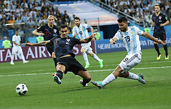 NIZHNY NOVGOROD, June 21, 2018  Sergio Aguero (R front) of Argentina shoots during the 2018 FIFA World Cup Group D match between Argentina and Croatia in Nizhny Novgorod, Russia, June 21, 2018. (Credit Image: © Wu Zhuang/Xinhua via ZUMA Wire)