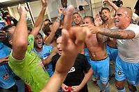 FOOTBALL - FRENCH CHAMPIONSHIP 2010/2011 - L2 - NIMES OLYMPIQUE v AC AJACCIO - 27/05/2011 - PHOTO SYLVAIN THOMAS / DPPI - JOY AJACCIO TEAM AT THE END OF THE MATCH