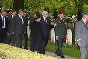 Nationale Militaire Dodenherdenking op de Grebbeberg<br /> <br /> Op de foto: Prinses Margriet en  Pieter van Vollenhoven