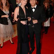 NLD/Amsterdam/20051128 - Uitreiking Beau Monde Awards 2005, Robert Schoemacher en partner Claudia van Zweeden