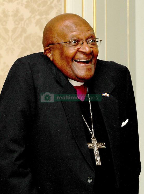 Beatrix der Niederlande empfängt Bischof Desmond Tutu im Palast Huis ten Bosch in Den Haag / 250912<br /> <br /> ***Queen Beatrix welcomes Bishop Desmond Tutu and his son in law Mthunzi Charles at the palace Huis ten Bosch in The Hague, The Netherlands, Sept. 25th, 2012.***